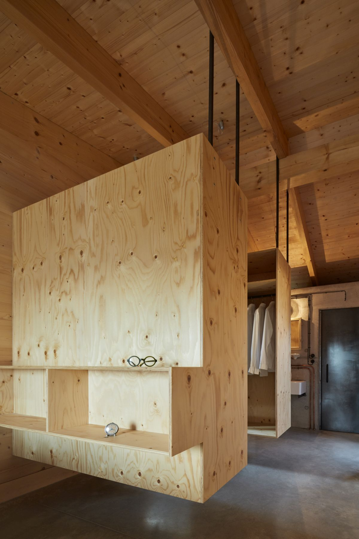 1559131838 715 a beautiful house hidden behind a large concrete wall - A Beautiful House Hidden Behind A Large Concrete Wall