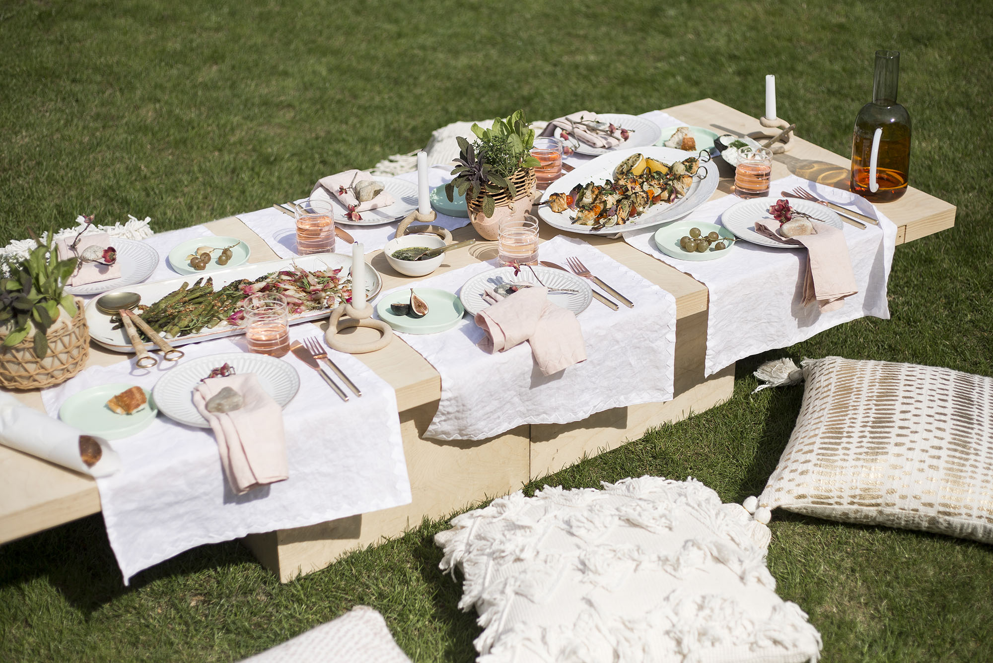 5 essentials for outdoor entertaining - 5 Essentials for Outdoor Entertaining