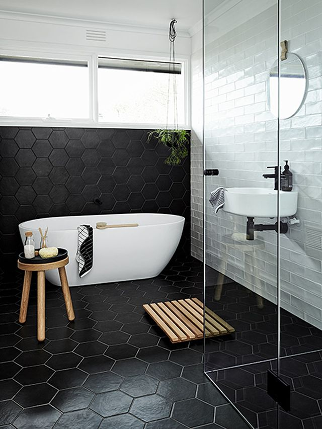 black and white bathroom designs that show simple can also be interesting - Black and White Bathroom Designs That Show Simple Can Also Be Interesting