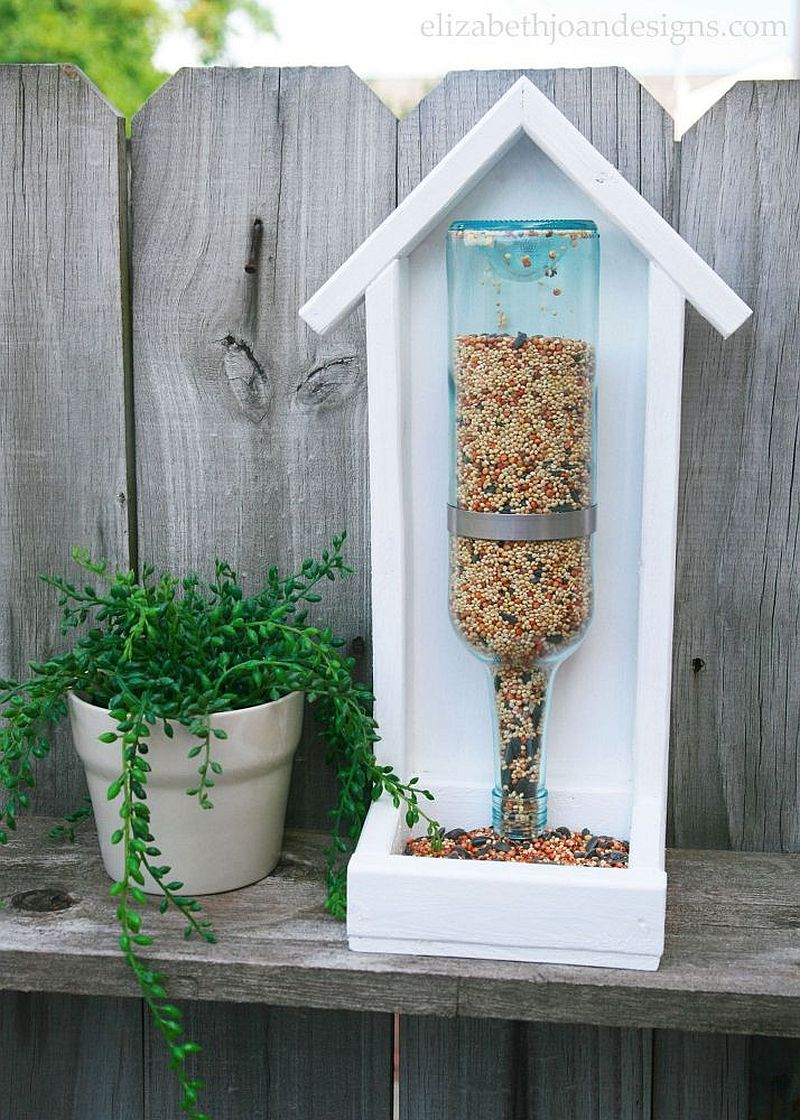 1559675287 41 40 diy bird feeder ideas for a live garden - 40 DIY Bird Feeder Ideas for a Live Garden