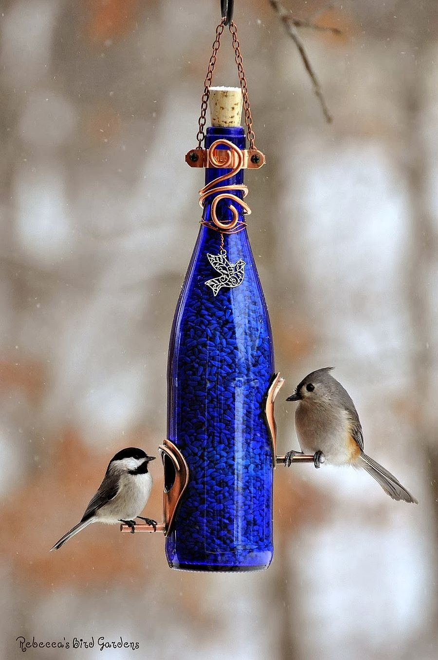 1559675287 507 40 diy bird feeder ideas for a live garden - 40 DIY Bird Feeder Ideas for a Live Garden