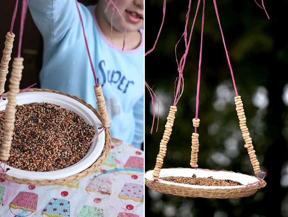 1559675287 823 40 diy bird feeder ideas for a live garden - 40 DIY Bird Feeder Ideas for a Live Garden