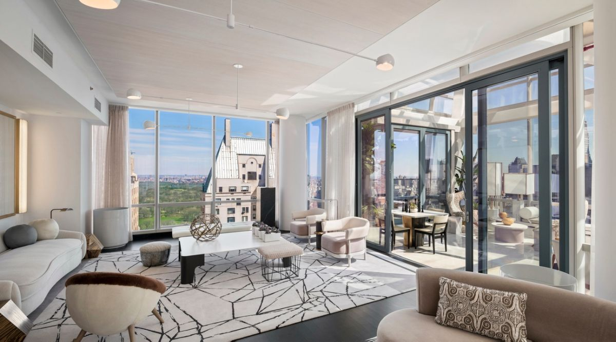 1559887282 218 live in the lap of luxury in these expansive new york apartments - Live in the Lap of Luxury in These Expansive New York Apartments
