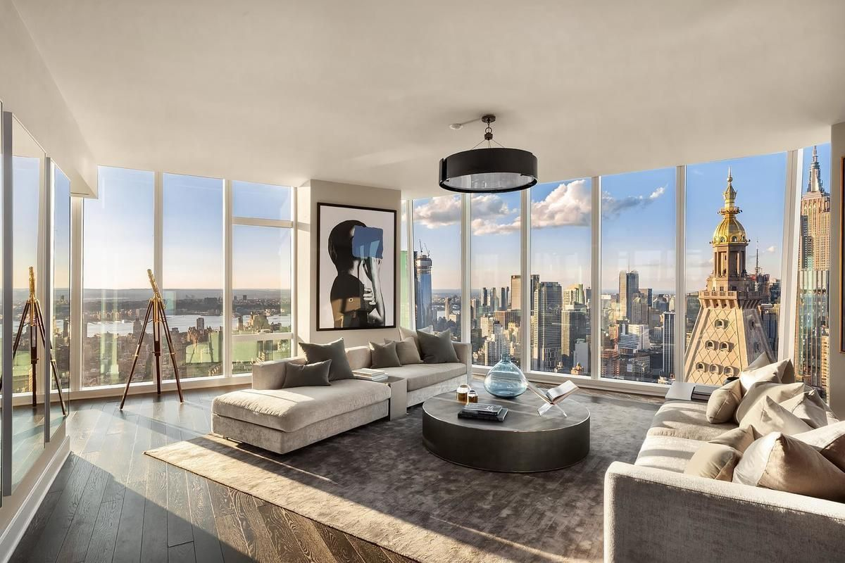 1559887282 818 live in the lap of luxury in these expansive new york apartments - Live in the Lap of Luxury in These Expansive New York Apartments
