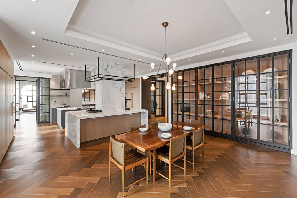 1559887282 845 live in the lap of luxury in these expansive new york apartments - Live in the Lap of Luxury in These Expansive New York Apartments
