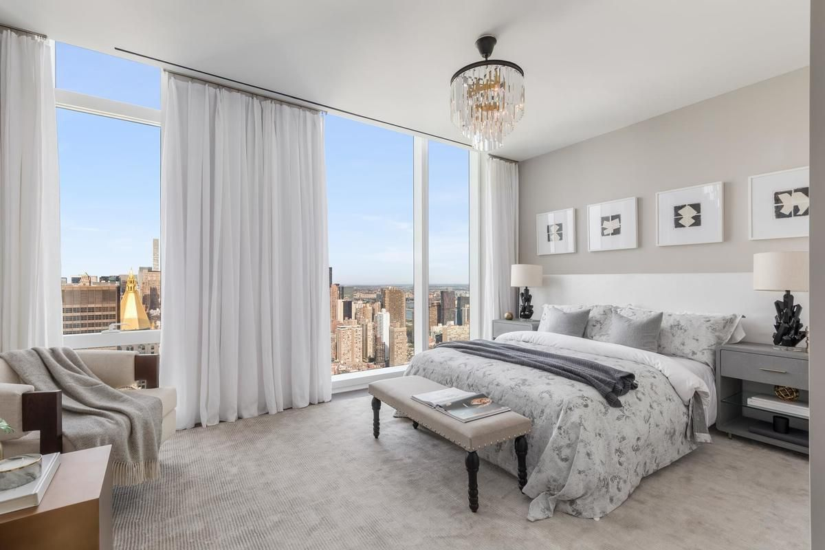 1559887282 878 live in the lap of luxury in these expansive new york apartments - Live in the Lap of Luxury in These Expansive New York Apartments