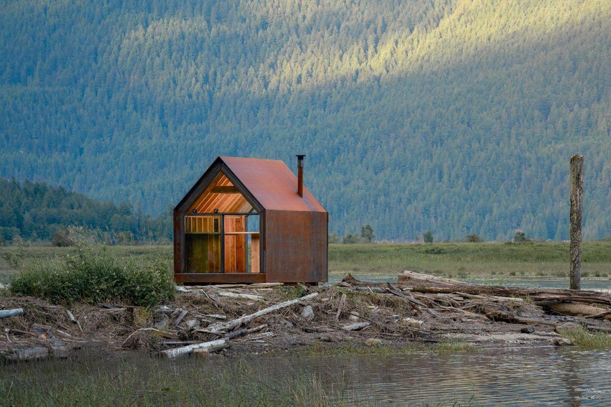 1559887393 161 tiny corten steel cabin gets more beautiful with each passing day - Tiny Corten Steel Cabin Gets More Beautiful With Each Passing Day