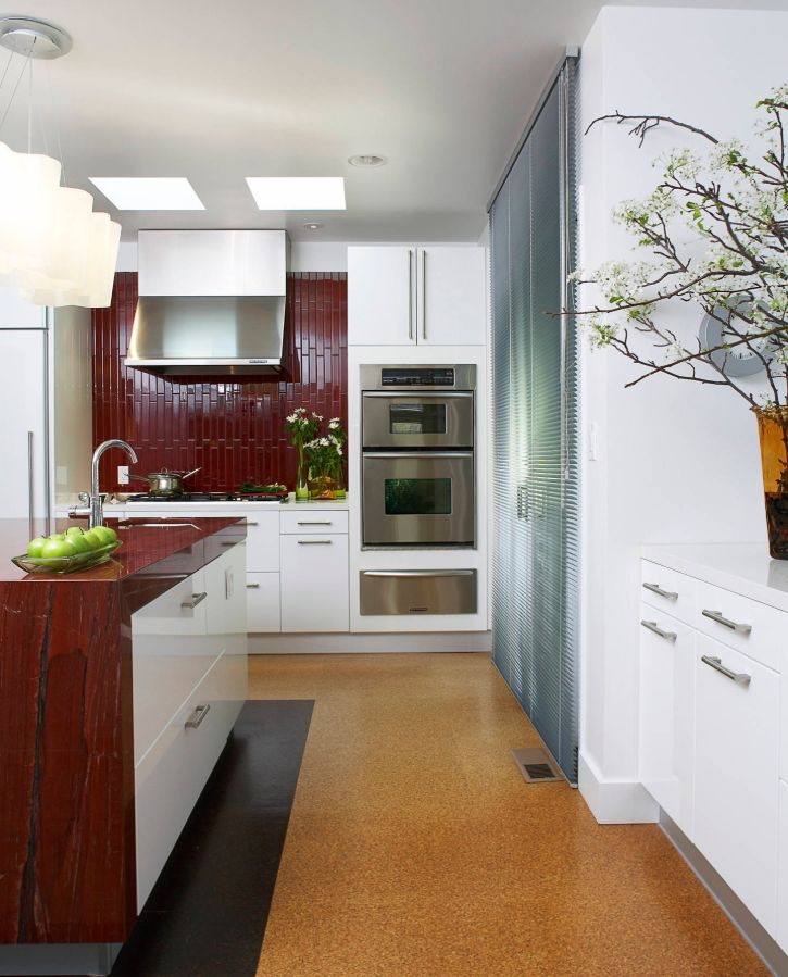 1560150709 168 the most popular kitchen tile flooring options are gorgeous and durable - The Most Popular Kitchen Tile Flooring Options Are Gorgeous and Durable