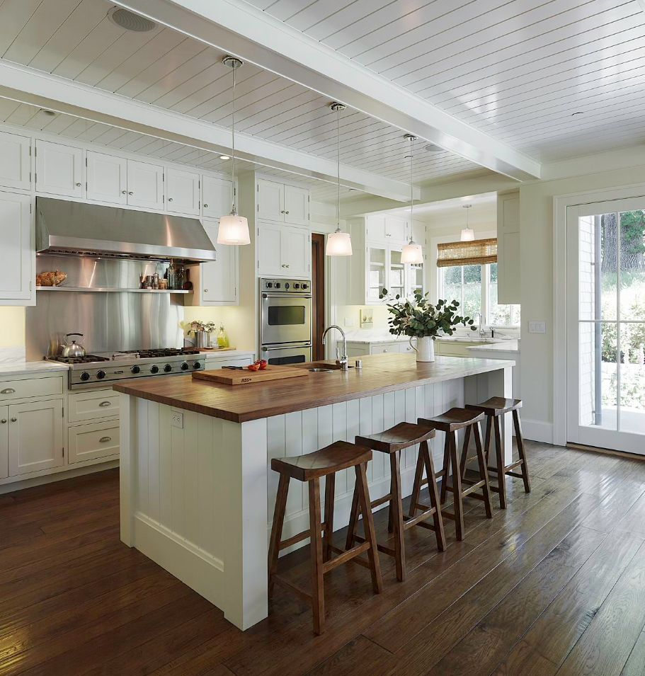1560150709 211 the most popular kitchen tile flooring options are gorgeous and durable - The Most Popular Kitchen Tile Flooring Options Are Gorgeous and Durable