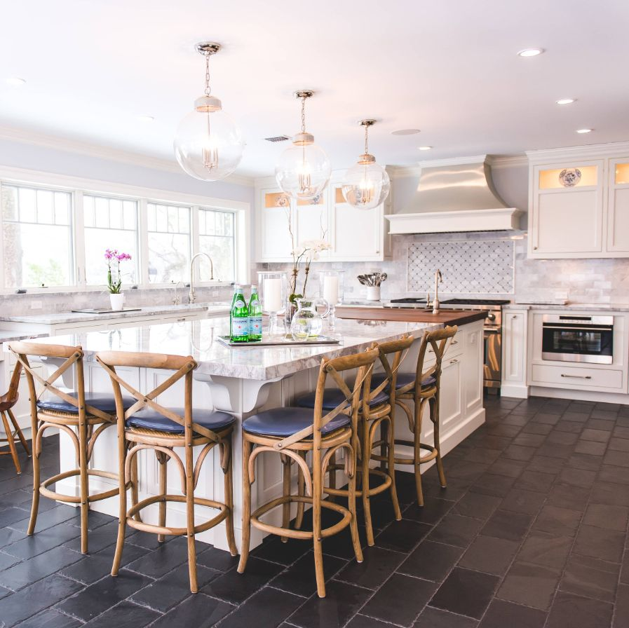 1560150709 566 the most popular kitchen tile flooring options are gorgeous and durable - The Most Popular Kitchen Tile Flooring Options Are Gorgeous and Durable