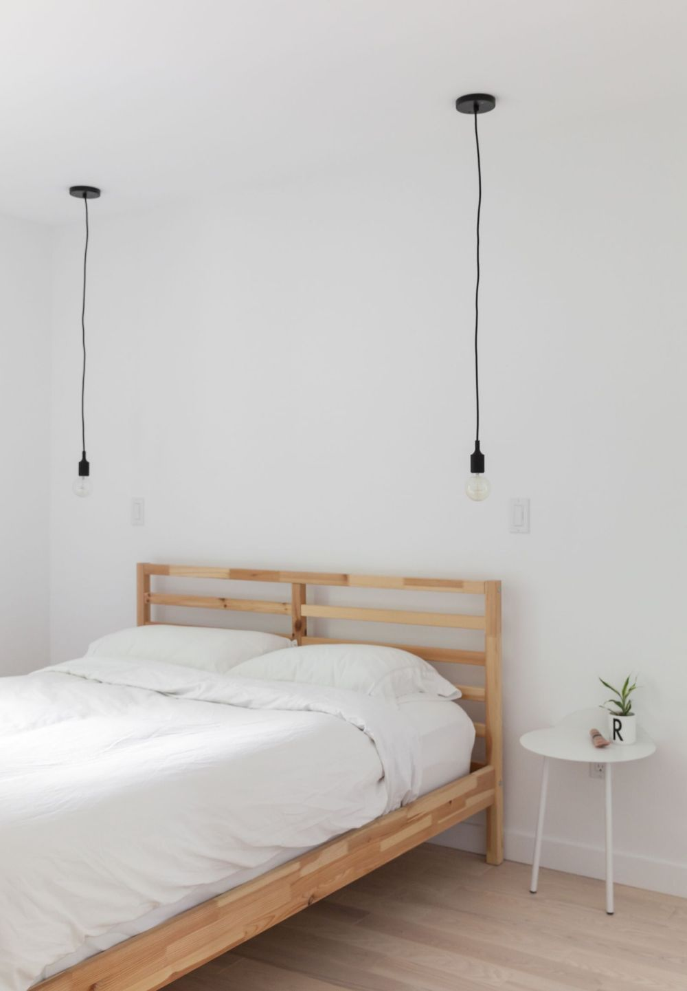 1560234219 627 try a minimalist bedroom design for less stress and a good nights sleep - Try a Minimalist Bedroom Design for Less Stress and a Good Night's Sleep