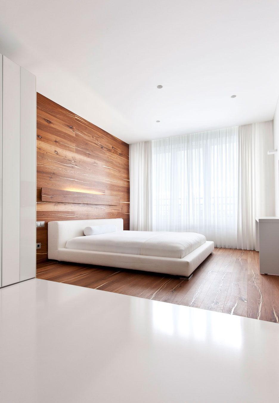 1560234223 512 try a minimalist bedroom design for less stress and a good nights sleep - Try a Minimalist Bedroom Design for Less Stress and a Good Night's Sleep