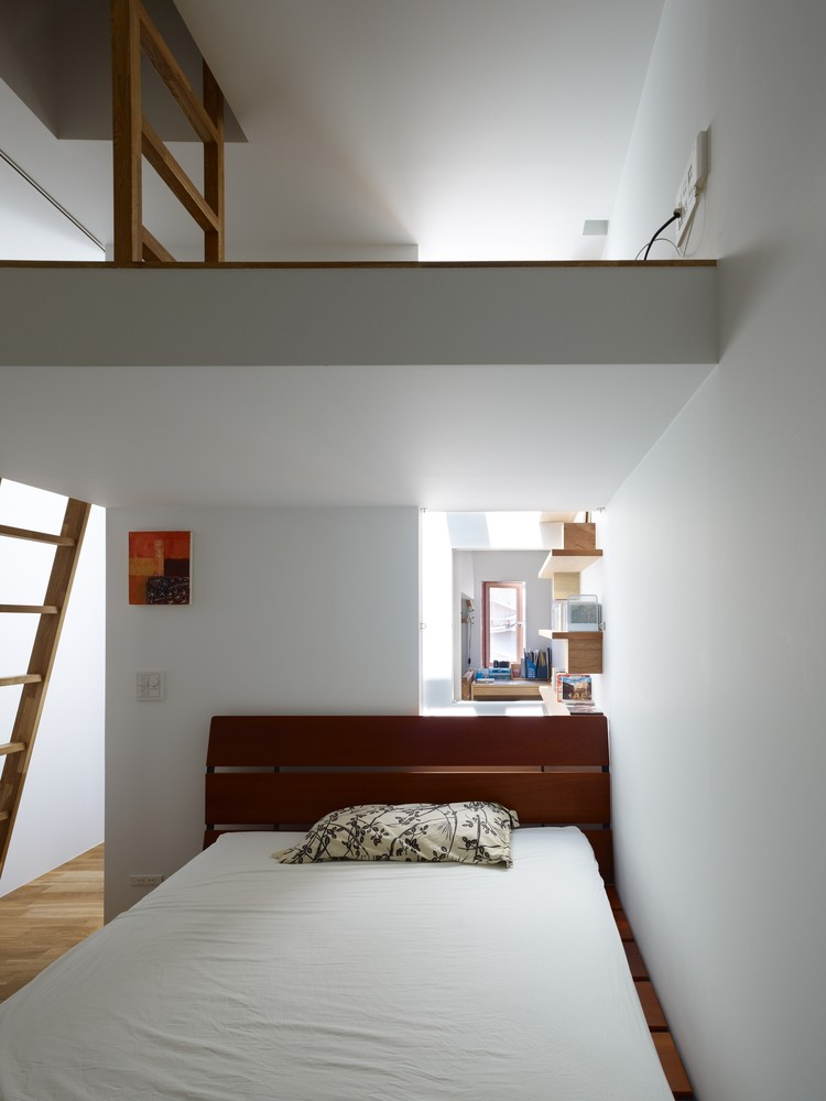 1560234223 721 try a minimalist bedroom design for less stress and a good nights sleep - Try a Minimalist Bedroom Design for Less Stress and a Good Night's Sleep