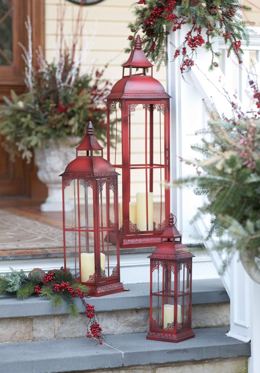1560499823 912 15 beautiful outdoor lanterns to brighten up your evenings - 15 Beautiful Outdoor Lanterns To Brighten Up Your Evenings