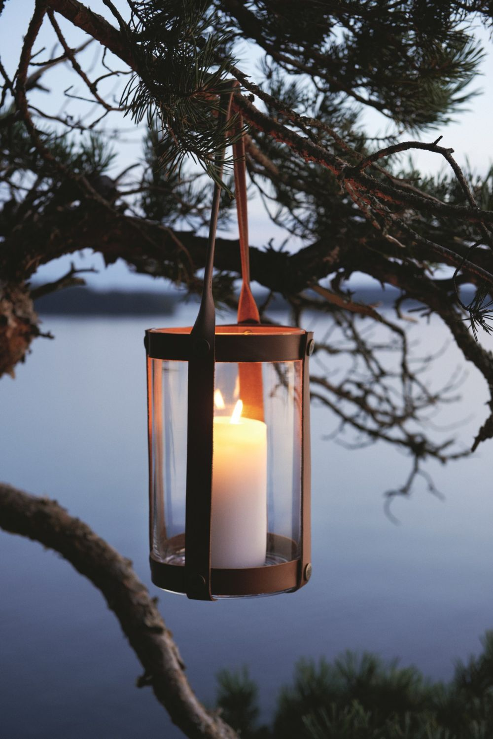 1560499823 948 15 beautiful outdoor lanterns to brighten up your evenings - 15 Beautiful Outdoor Lanterns To Brighten Up Your Evenings