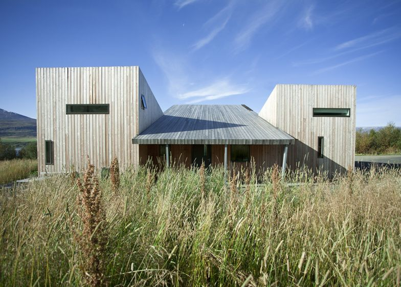 1560511771 998 cool minimalist homes made from wood that sync with nature - Cool Minimalist Homes Made From Wood That Sync With Nature