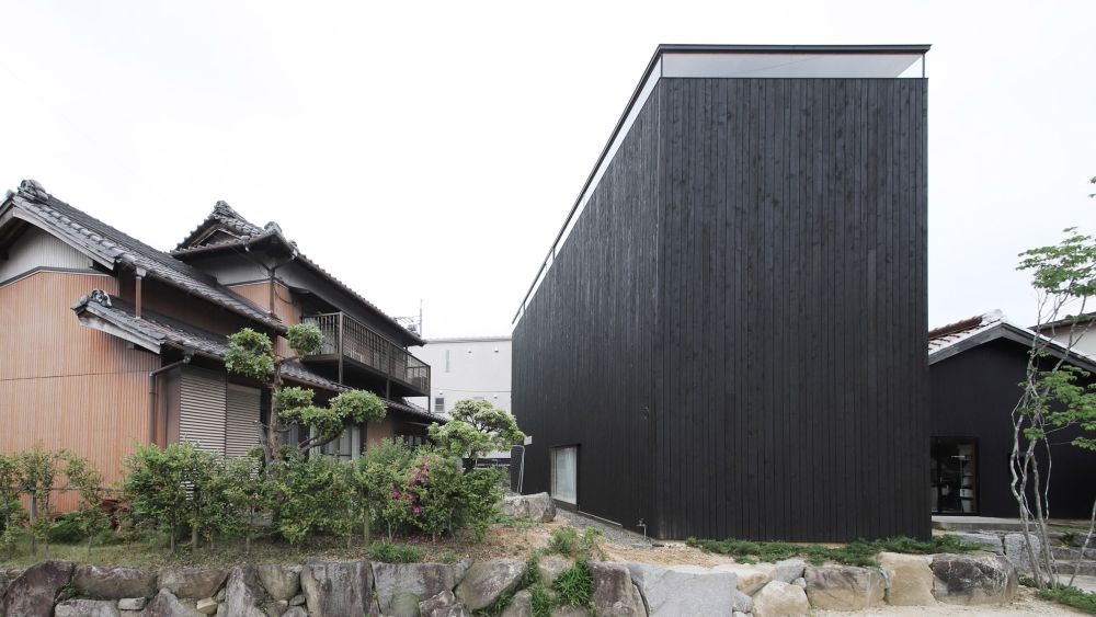 1560511772 380 cool minimalist homes made from wood that sync with nature - Cool Minimalist Homes Made From Wood That Sync With Nature