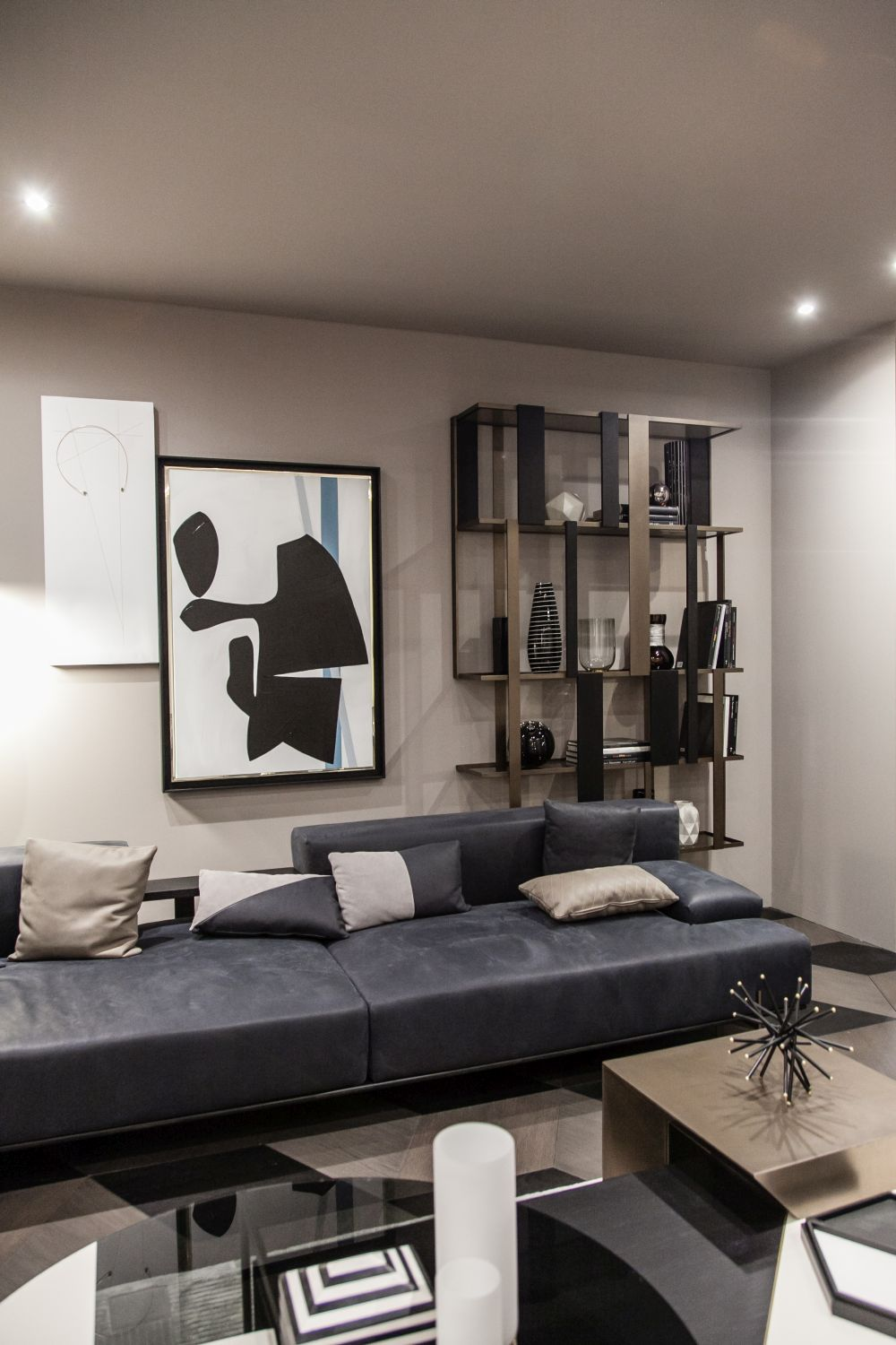 1560941272 226 fun wall designs to turn a blank space into a terrific decor element - Fun Wall Designs To Turn a Blank Space into a Terrific Decor Element