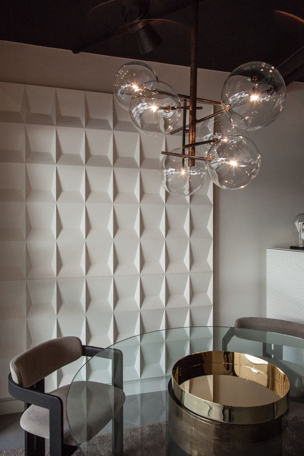 1560941273 734 fun wall designs to turn a blank space into a terrific decor element - Fun Wall Designs To Turn a Blank Space into a Terrific Decor Element