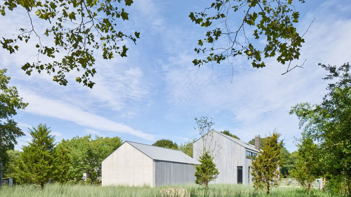 1561104968 120 swoon worthy homes in hamptons that work with the natural landscape - Swoon-Worthy Homes in Hamptons That Work With the Natural Landscape