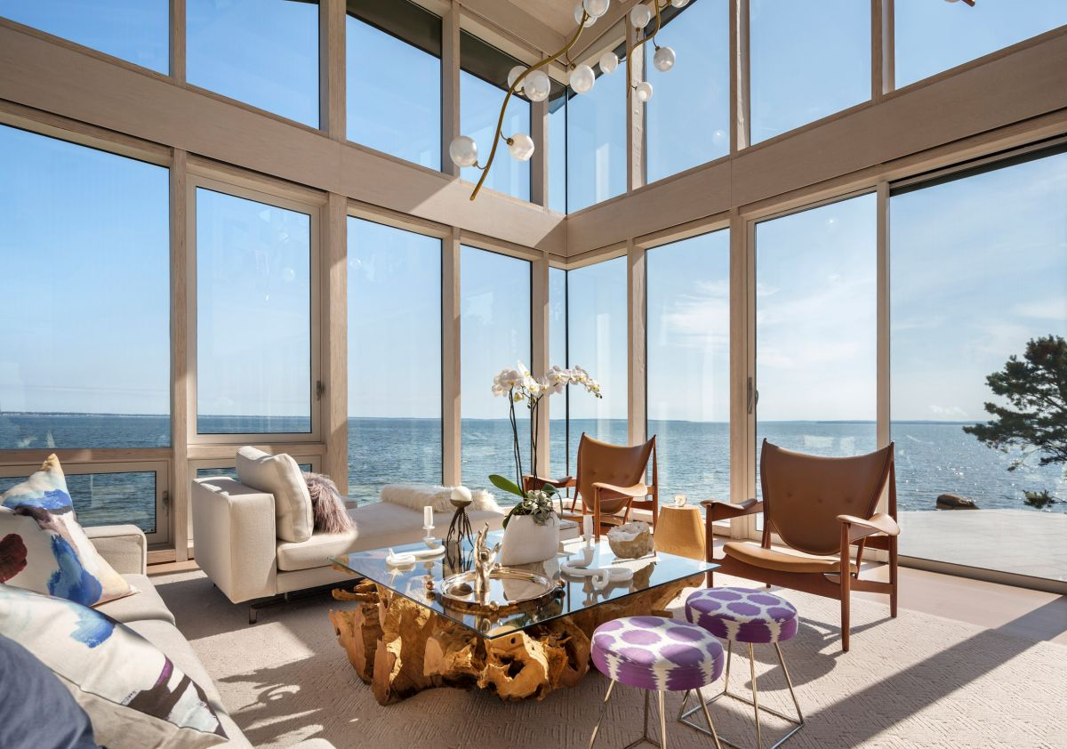 1561104968 57 swoon worthy homes in hamptons that work with the natural landscape - Swoon-Worthy Homes in Hamptons That Work With the Natural Landscape