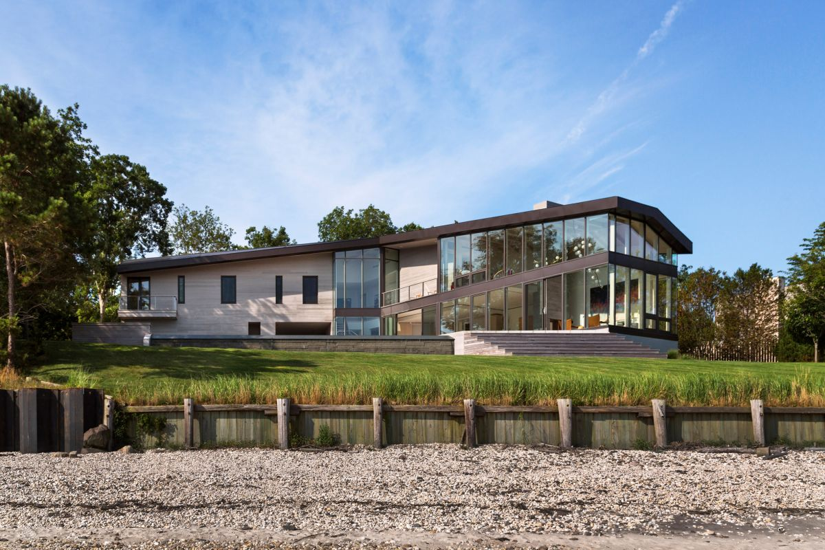 1561104968 65 swoon worthy homes in hamptons that work with the natural landscape - Swoon-Worthy Homes in Hamptons That Work With the Natural Landscape