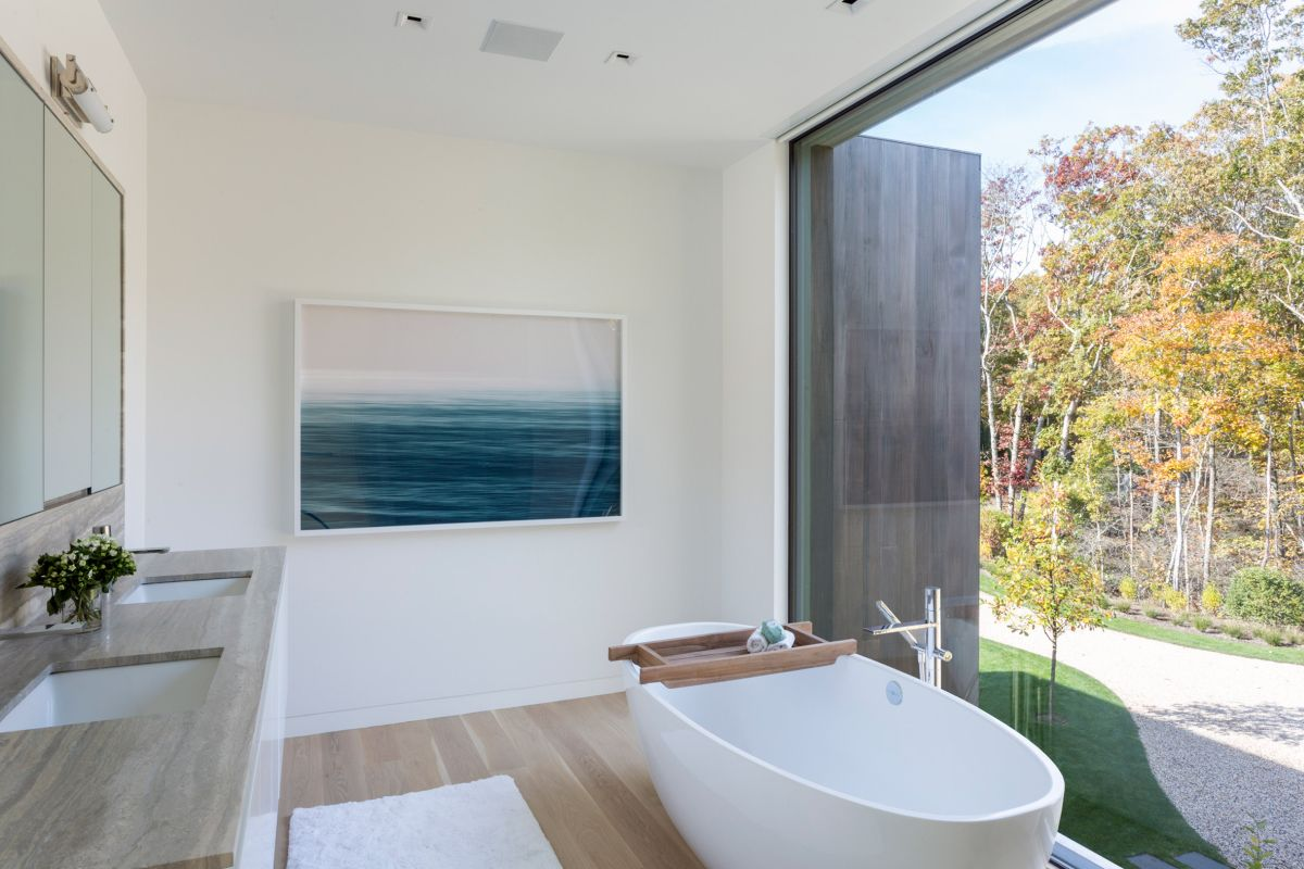 1561104968 795 swoon worthy homes in hamptons that work with the natural landscape - Swoon-Worthy Homes in Hamptons That Work With the Natural Landscape