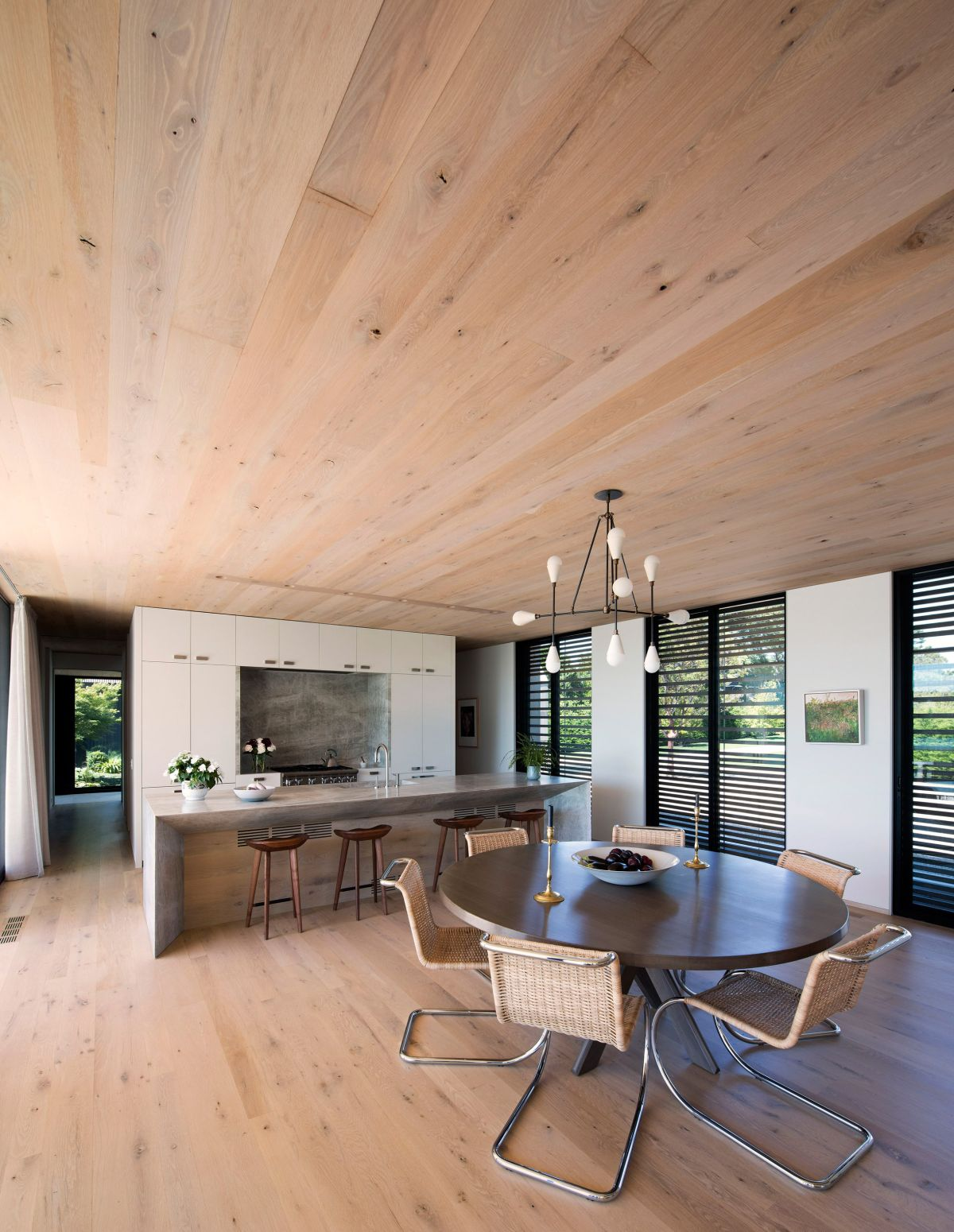 1561104968 803 swoon worthy homes in hamptons that work with the natural landscape - Swoon-Worthy Homes in Hamptons That Work With the Natural Landscape
