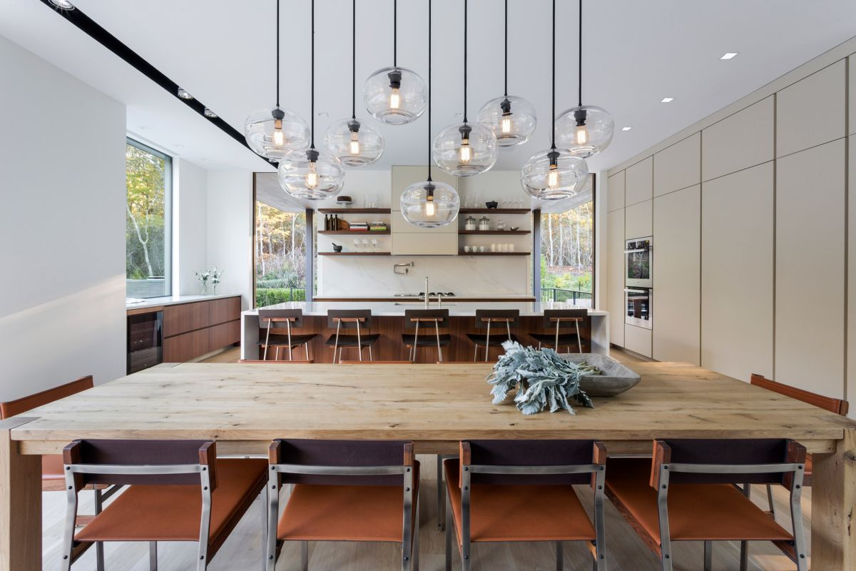 1561104968 918 swoon worthy homes in hamptons that work with the natural landscape - Swoon-Worthy Homes in Hamptons That Work With the Natural Landscape