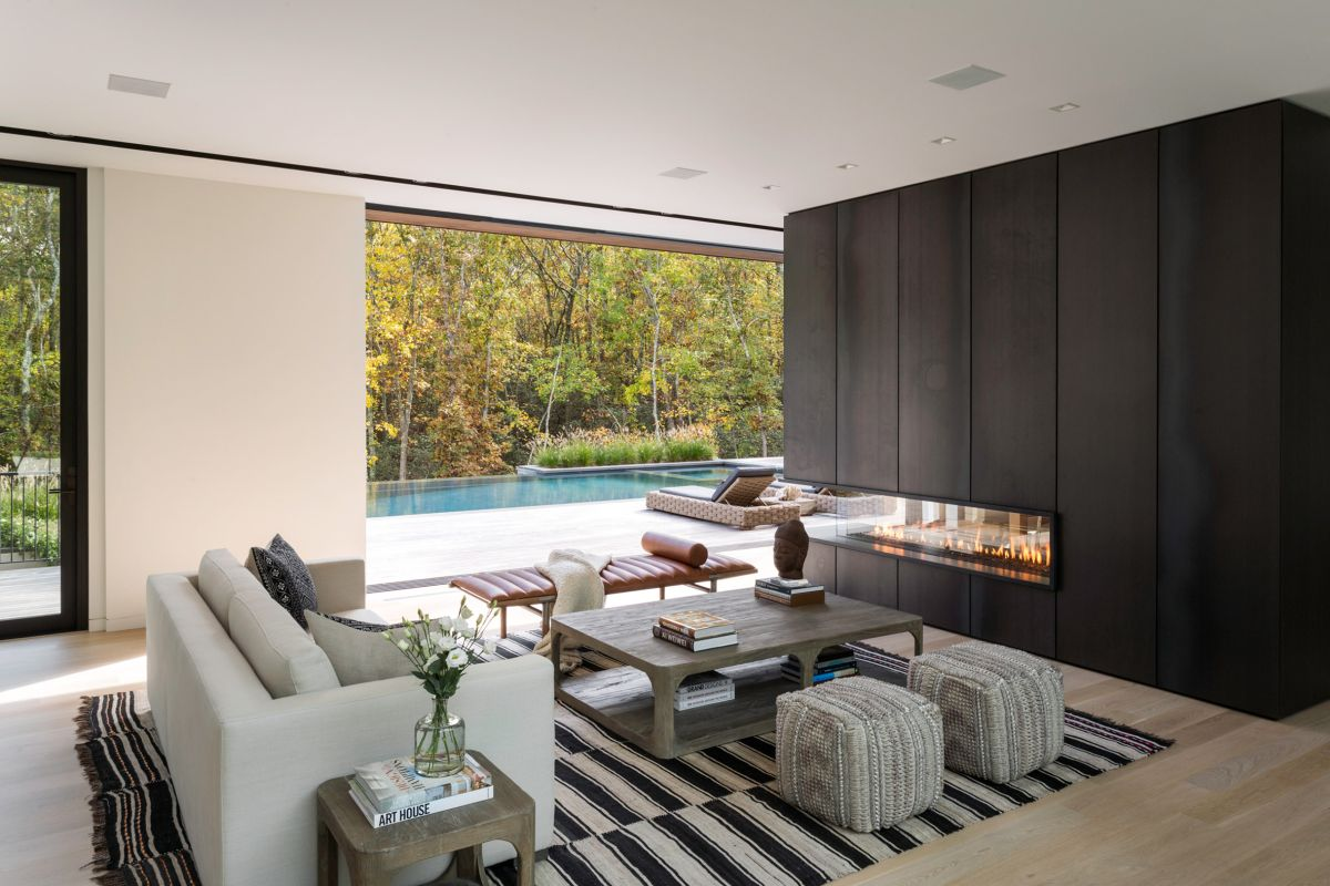 1561104968 999 swoon worthy homes in hamptons that work with the natural landscape - Swoon-Worthy Homes in Hamptons That Work With the Natural Landscape