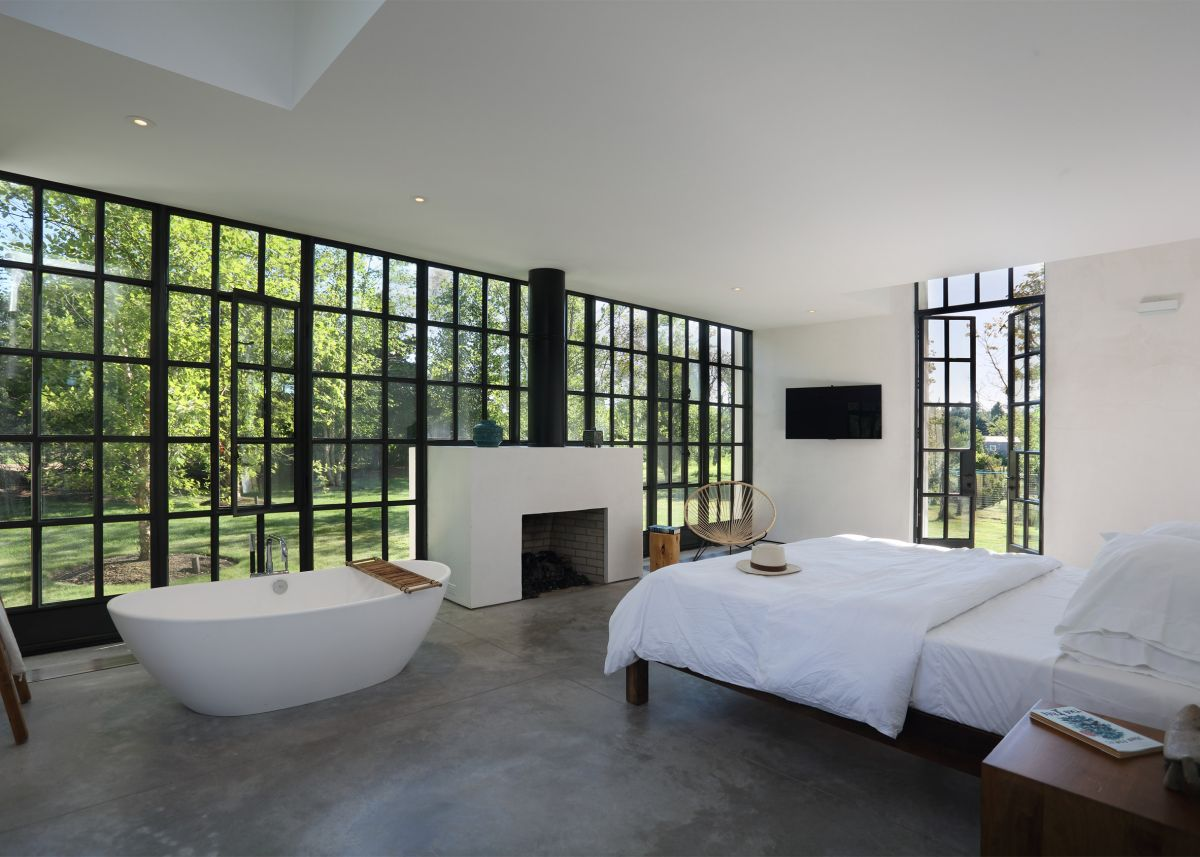 1561104969 413 swoon worthy homes in hamptons that work with the natural landscape - Swoon-Worthy Homes in Hamptons That Work With the Natural Landscape