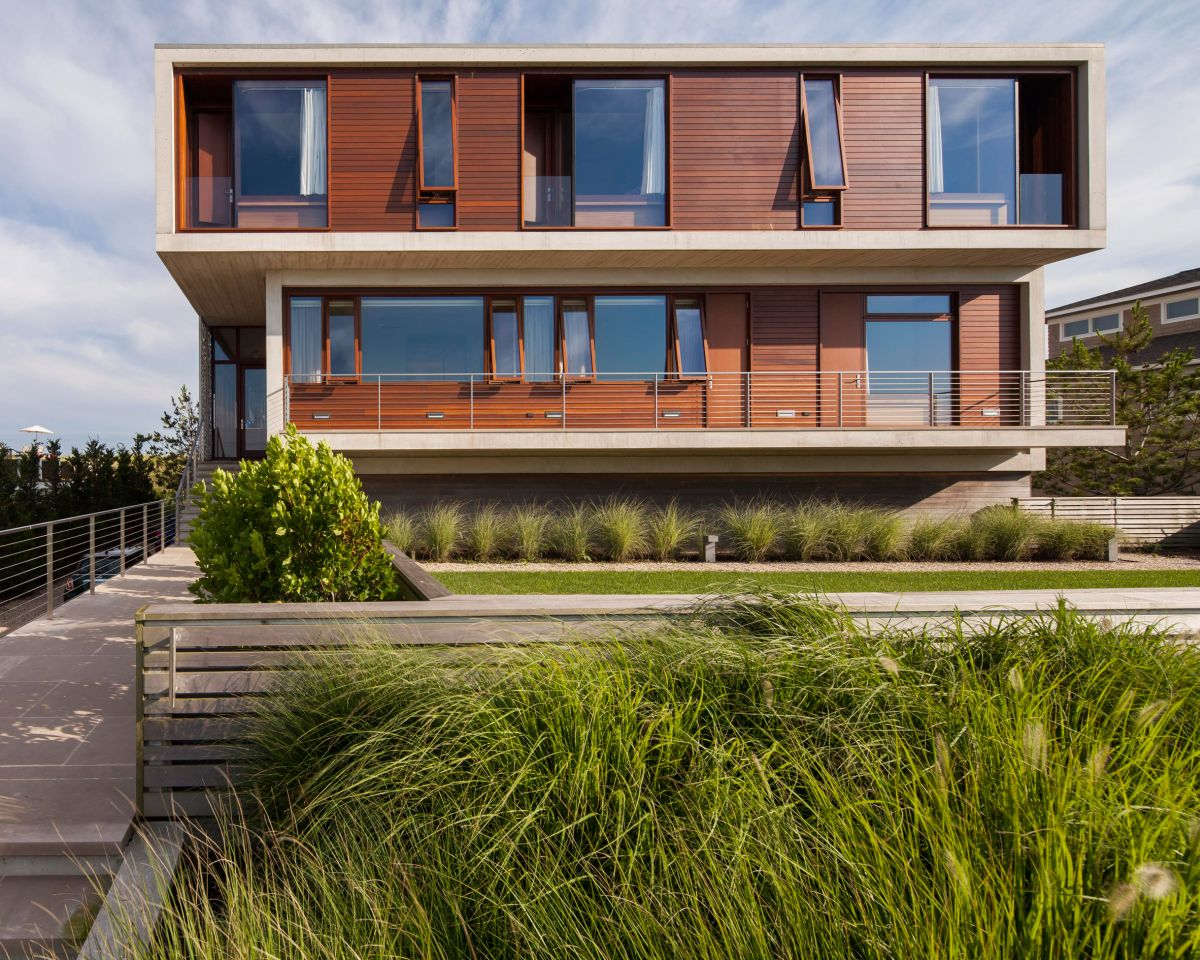 1561104969 571 swoon worthy homes in hamptons that work with the natural landscape - Swoon-Worthy Homes in Hamptons That Work With the Natural Landscape