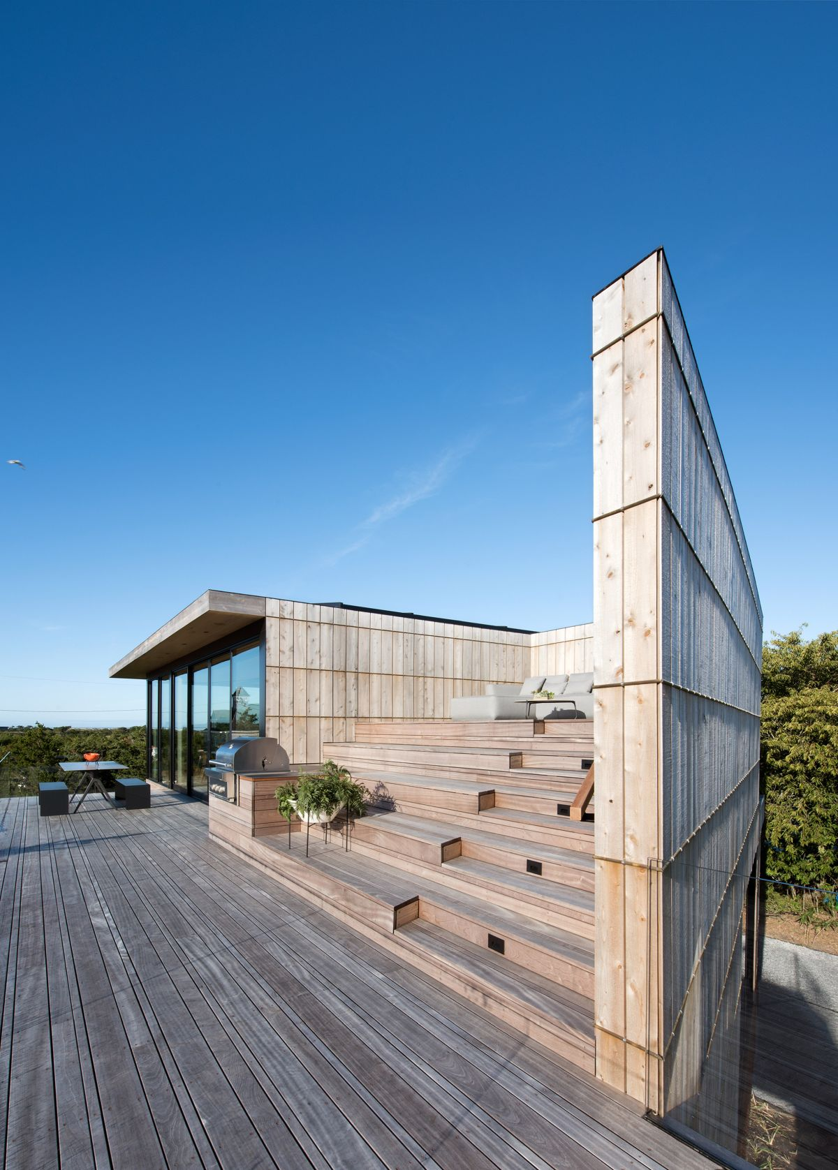 1561104969 753 swoon worthy homes in hamptons that work with the natural landscape - Swoon-Worthy Homes in Hamptons That Work With the Natural Landscape