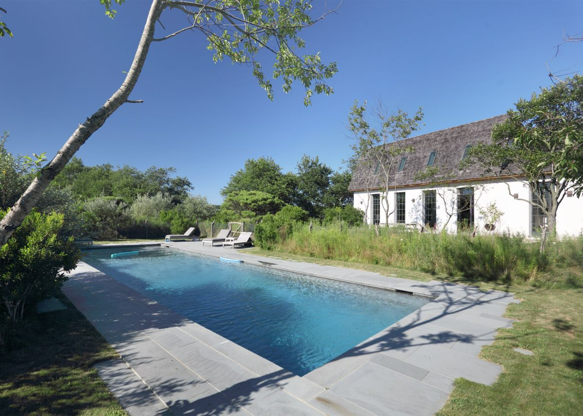 1561104969 758 swoon worthy homes in hamptons that work with the natural landscape - Swoon-Worthy Homes in Hamptons That Work With the Natural Landscape