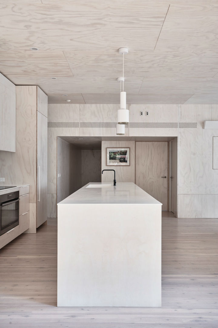 Interiors With Use of Natural Materials 11