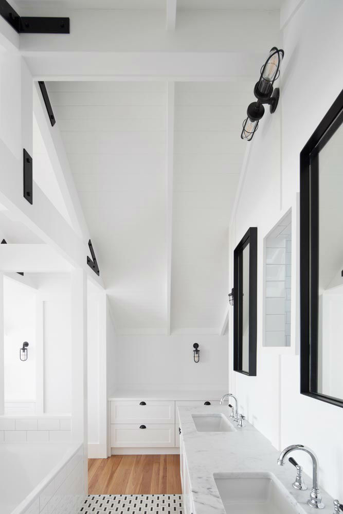 Interiors With Use of Natural Materials 31