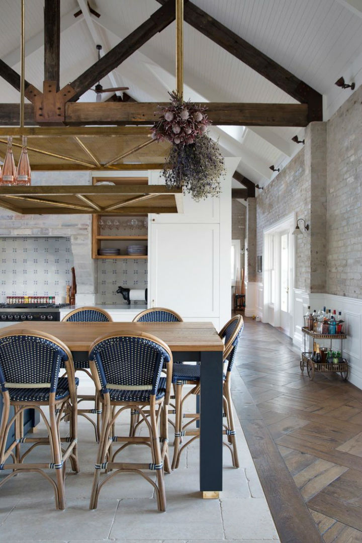 Interiors With Use of Natural Materials 24