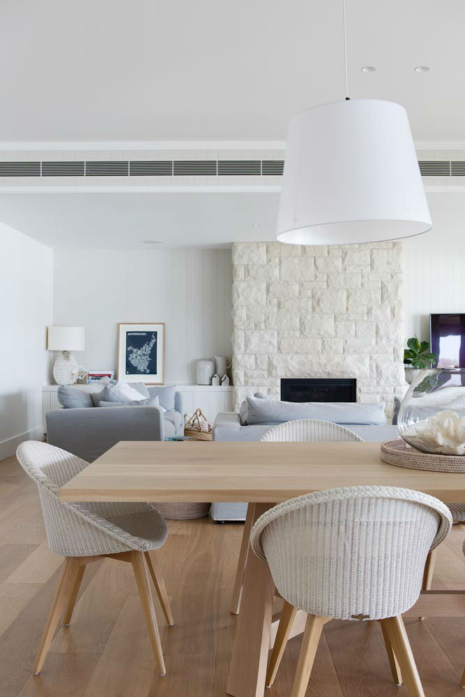 Interiors With Use of Natural Materials 30