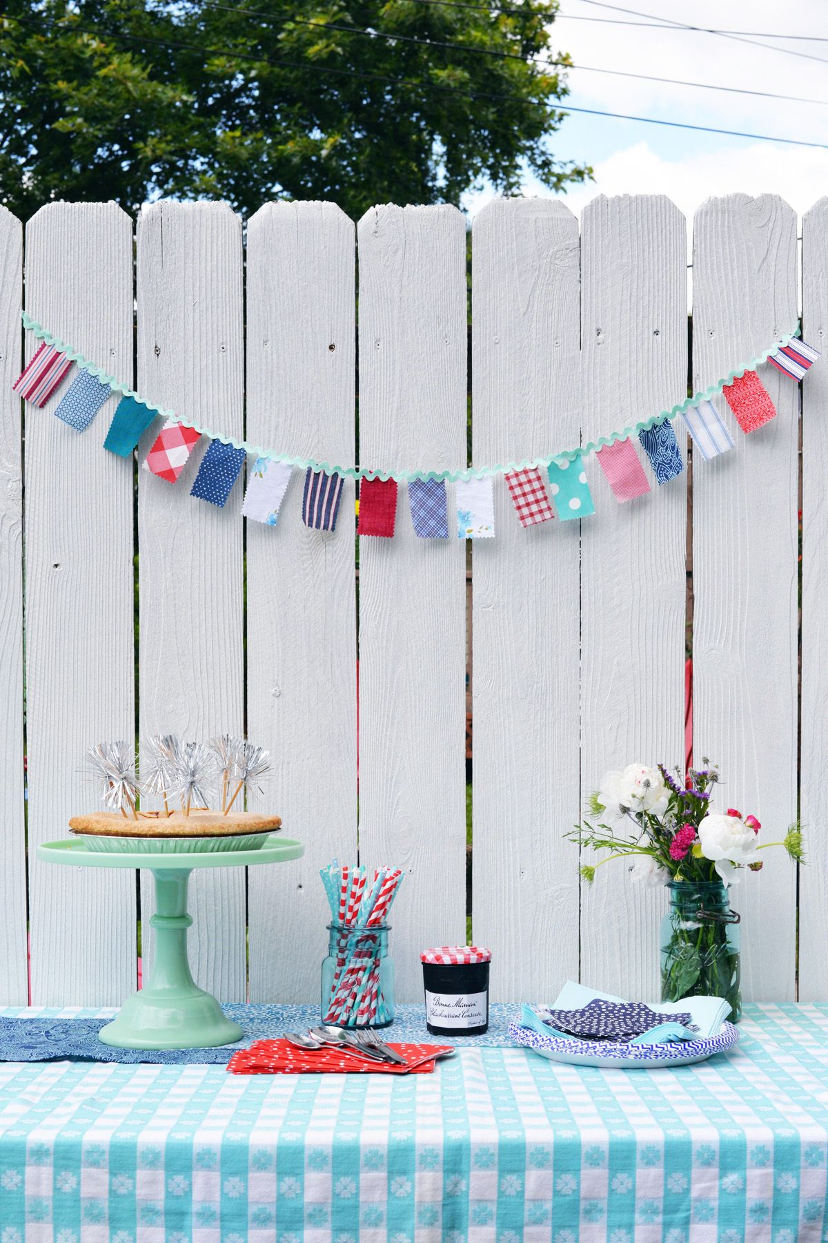 1561710202 409 4th of july decoration ideas that can transform your home in a moment - 4th of July Decoration Ideas That Can Transform Your Home In A Moment