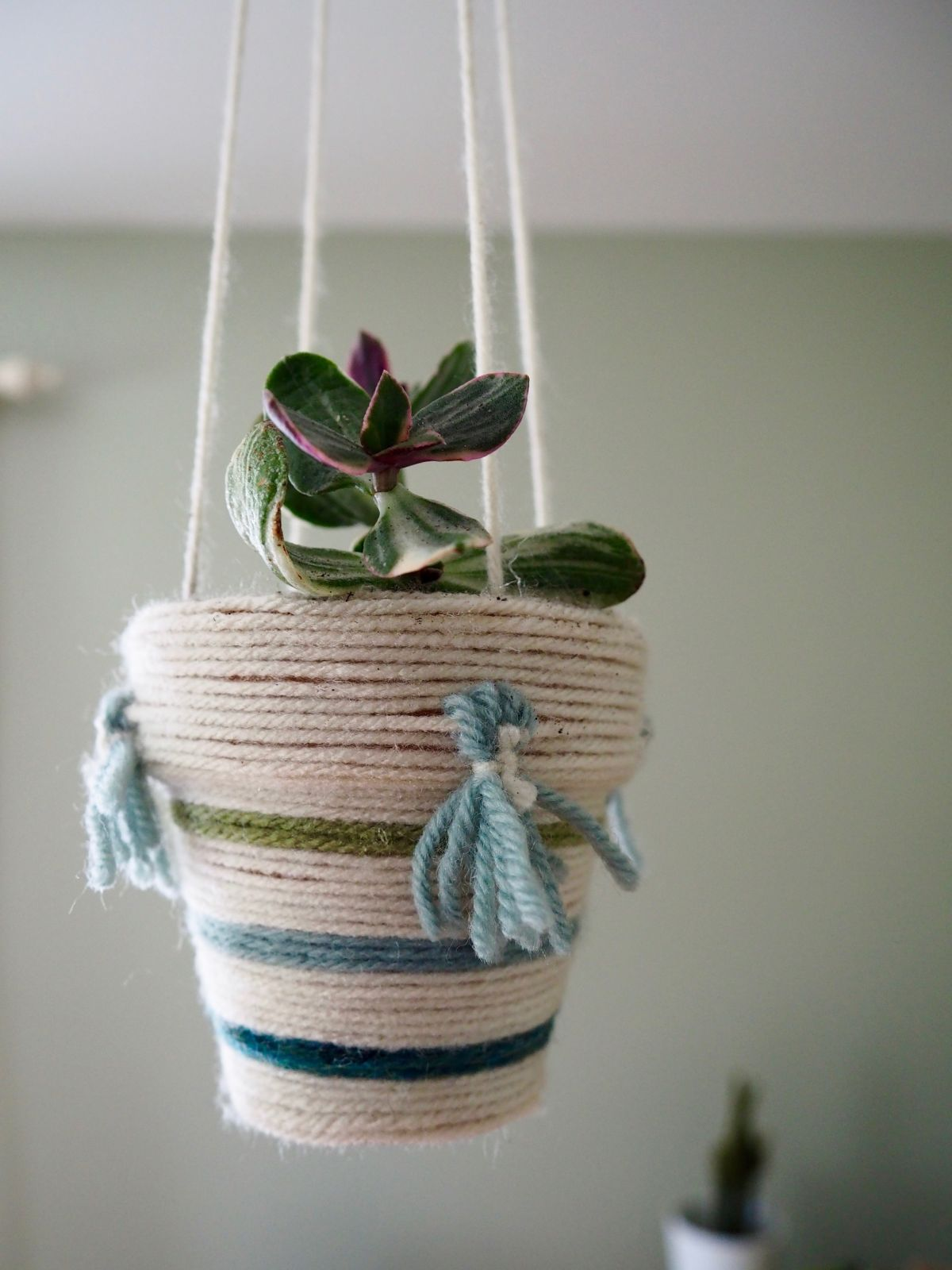 15 easy and adorable yarn crafts for your home - 15 Easy And Adorable Yarn Crafts For Your Home