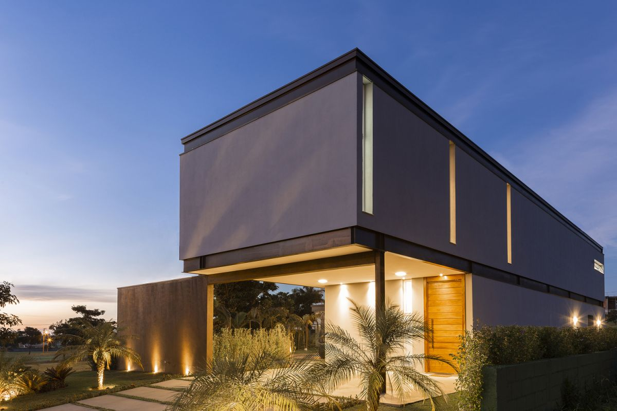 1561965679 389 the bt house a blend of modern and industrial within a steel frame - The BT House – A Blend Of Modern And Industrial Within A Steel Frame