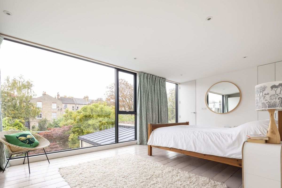 1562163598 383 london house extension with skylights and huge windows - London House Extension With Skylights And Huge Windows