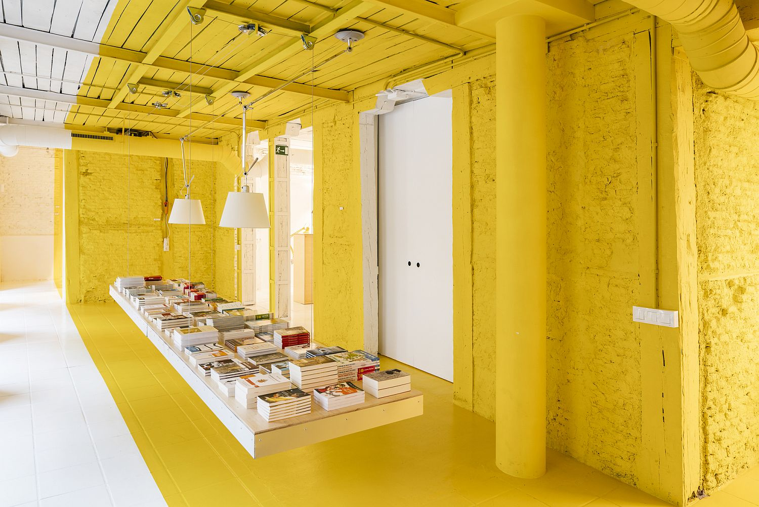 1562236172 525 amazing use of yellow for office interior meeting space in madrid - Amazing Use of Yellow for Office Interior: Meeting Space in Madrid