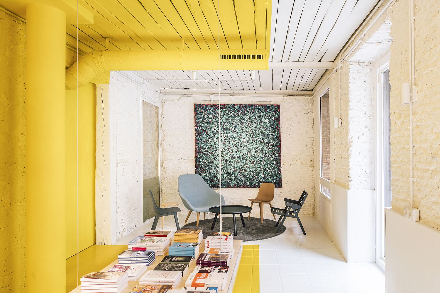 1562236172 676 amazing use of yellow for office interior meeting space in madrid - Amazing Use of Yellow for Office Interior: Meeting Space in Madrid