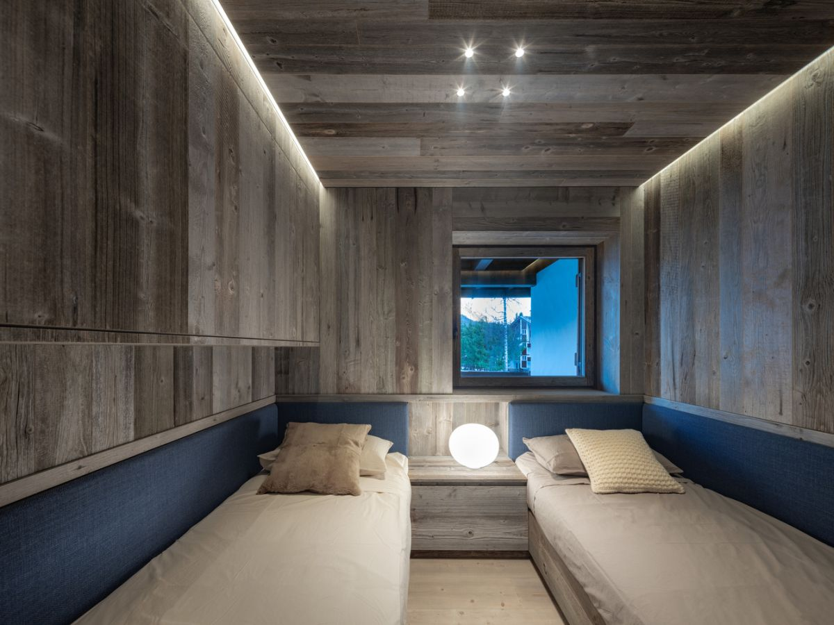 1562571823 259 charming house is italy infused with a century old reclaimed wood - Charming House Is Italy Infused With A Century Old Reclaimed Wood