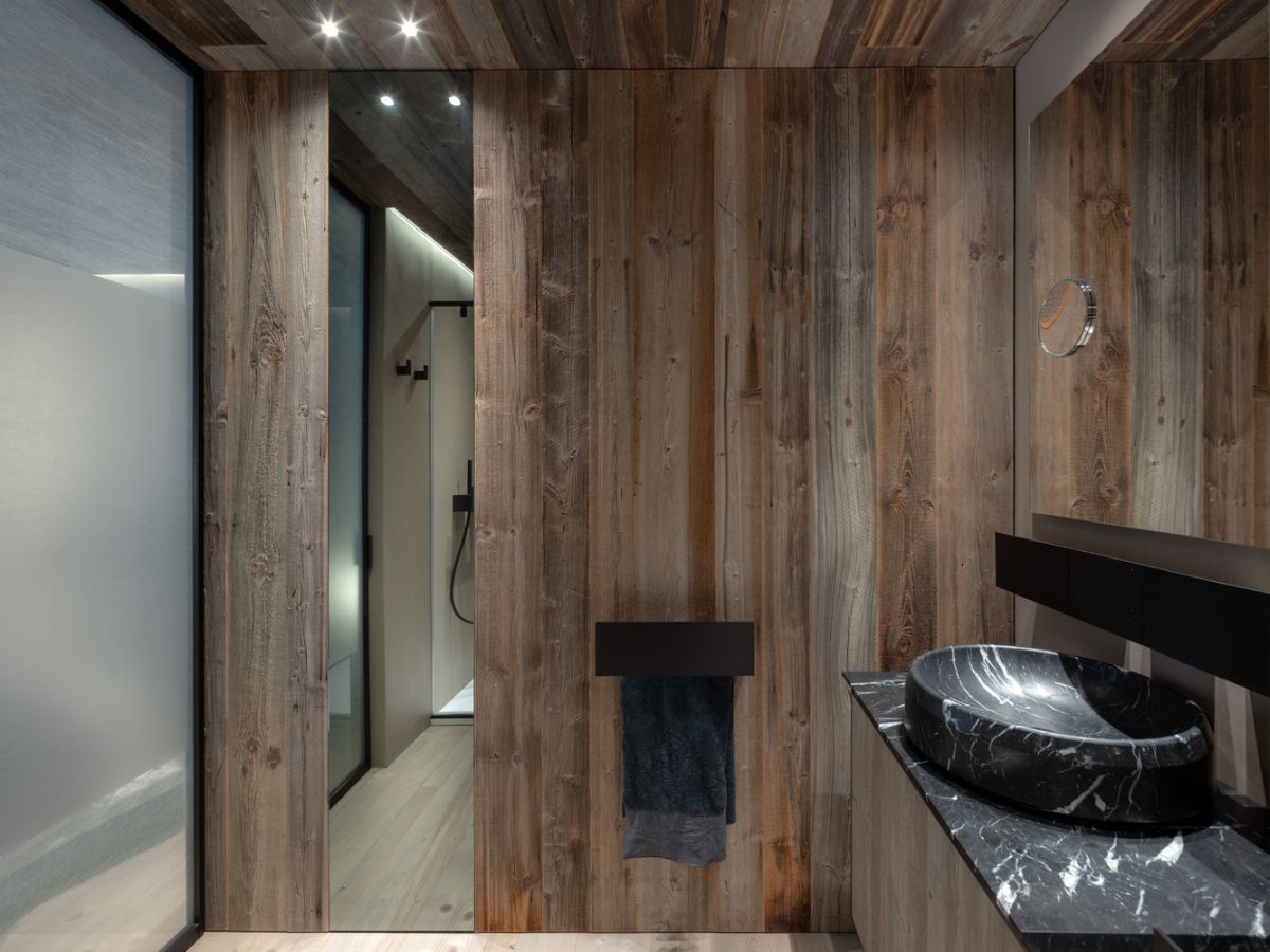 1562571823 434 charming house is italy infused with a century old reclaimed wood - Charming House Is Italy Infused With A Century Old Reclaimed Wood