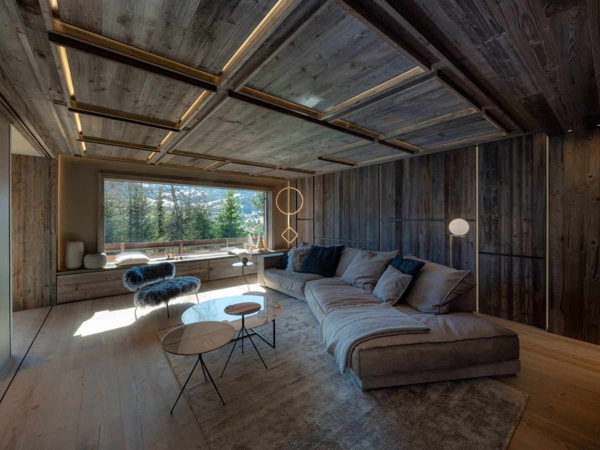 1562571823 441 charming house is italy infused with a century old reclaimed wood - Charming House Is Italy Infused With A Century Old Reclaimed Wood