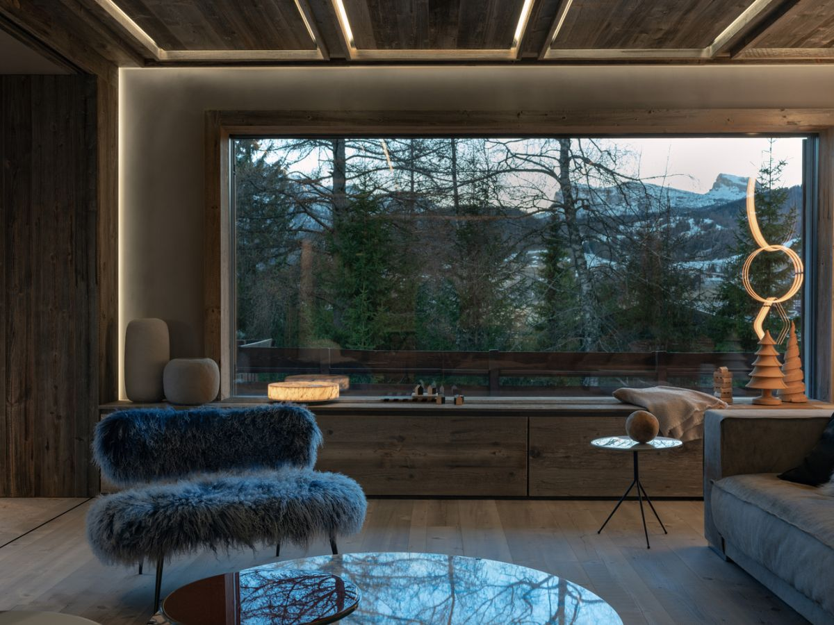 1562571823 544 charming house is italy infused with a century old reclaimed wood - Charming House Is Italy Infused With A Century Old Reclaimed Wood