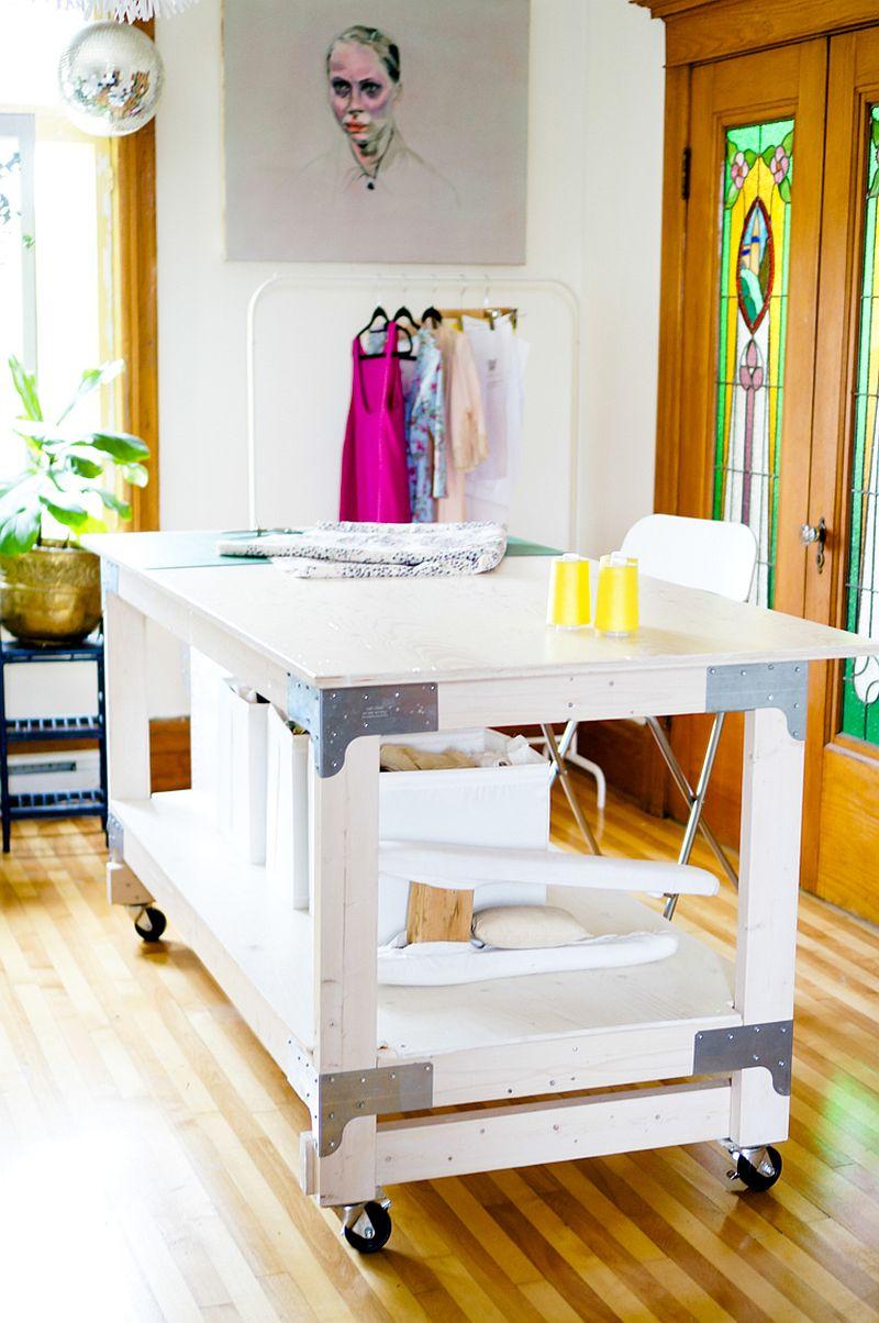1562618322 928 20 diy craft tables and desks - 20 DIY Craft Tables and Desks