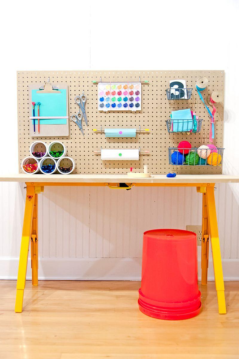 1562618322 946 20 diy craft tables and desks - 20 DIY Craft Tables and Desks